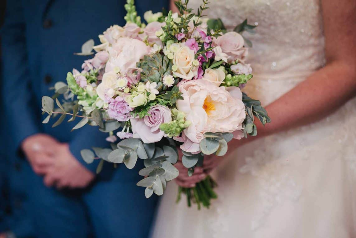 Bridal Flower Bouquet: Choose by season